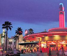 Hotwire.com: Orlando Travel Discounts. Hotels. Airfare ...